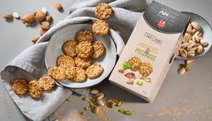 Almond & pistachio crispy biscuits