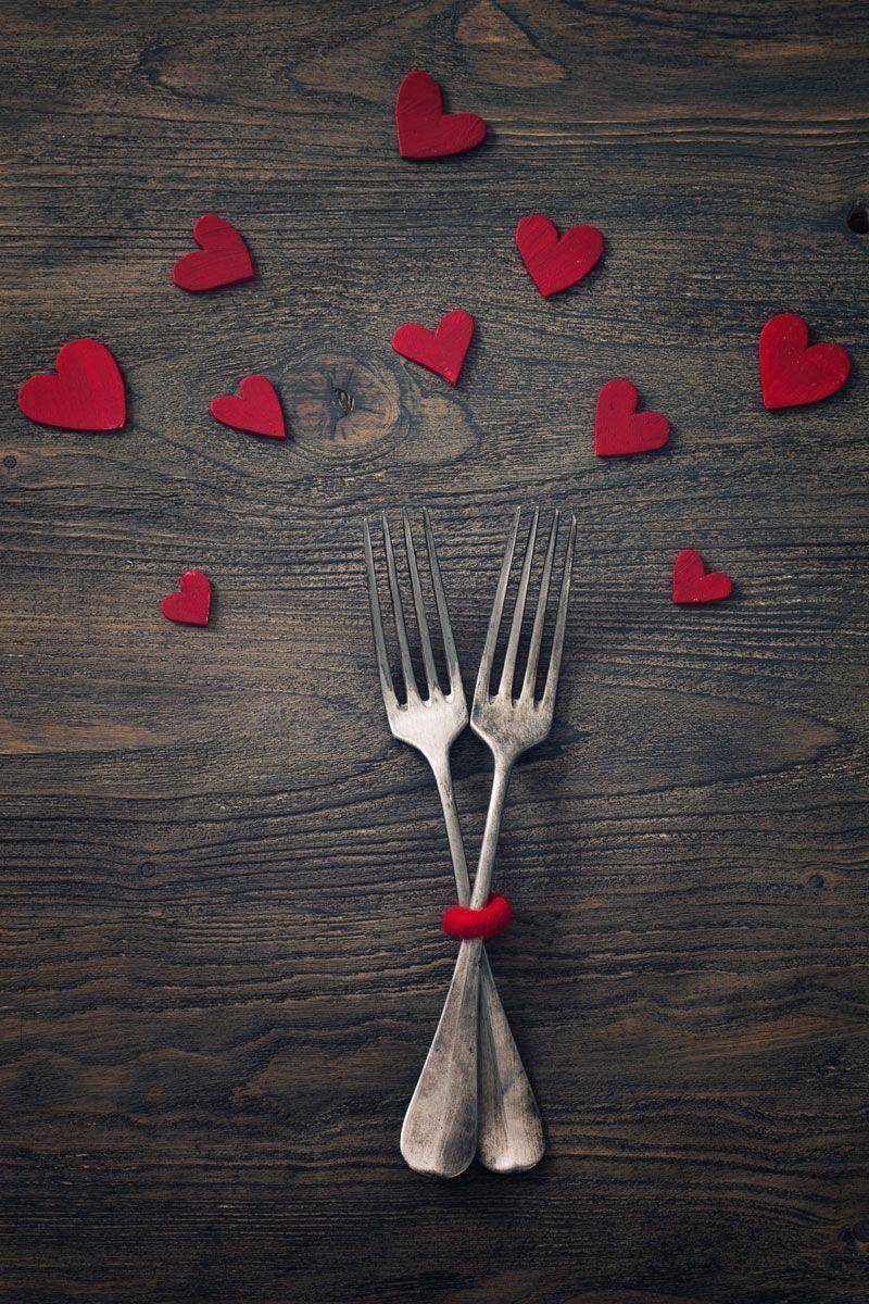 Gabeln auf romantischem Tisch